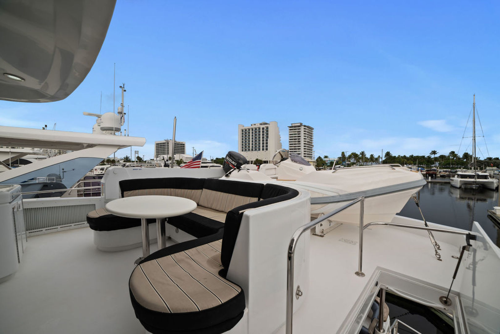 Hatteras-Enclosed Flybridge 2005-LA MER Fort Lauderdale-Florida-United States-Sun Deck-1510608 | Thumbnail