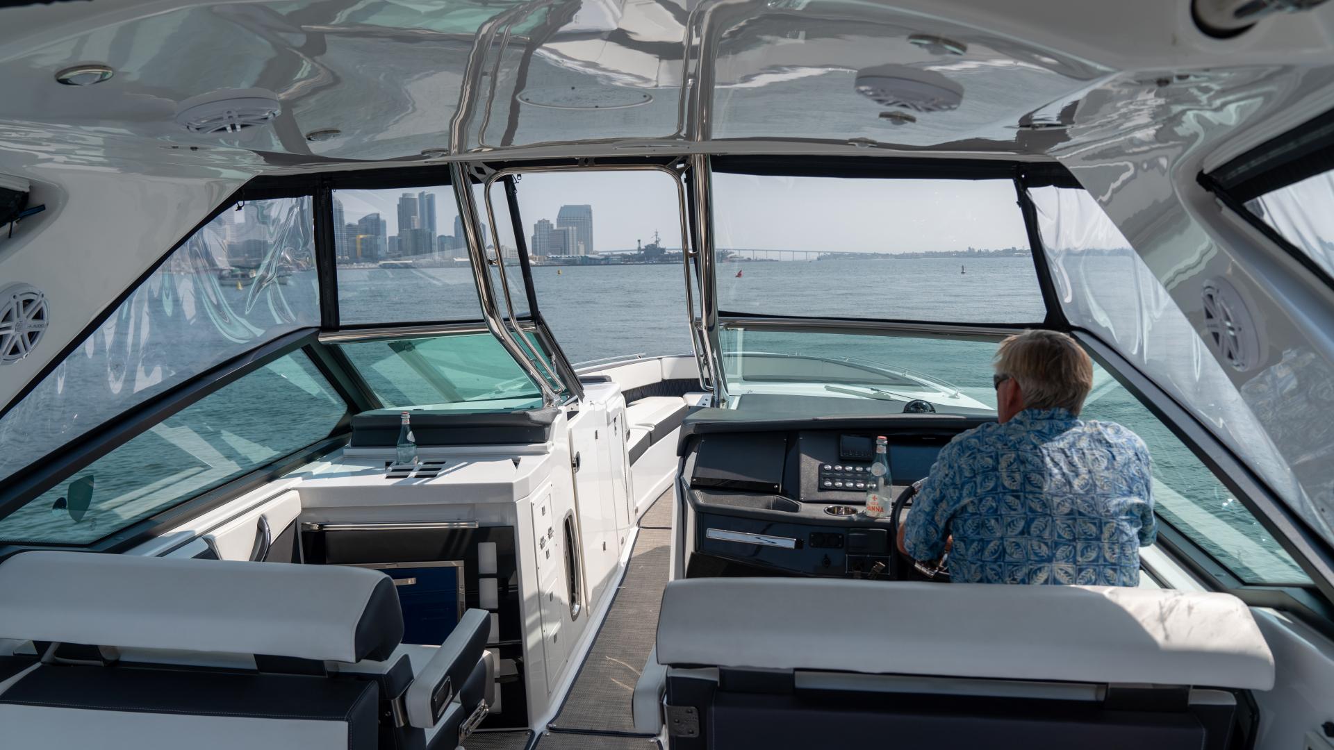 Monterey-378SE 2019-MATONE IV California-United States-HELM-1511132   Thumbnail