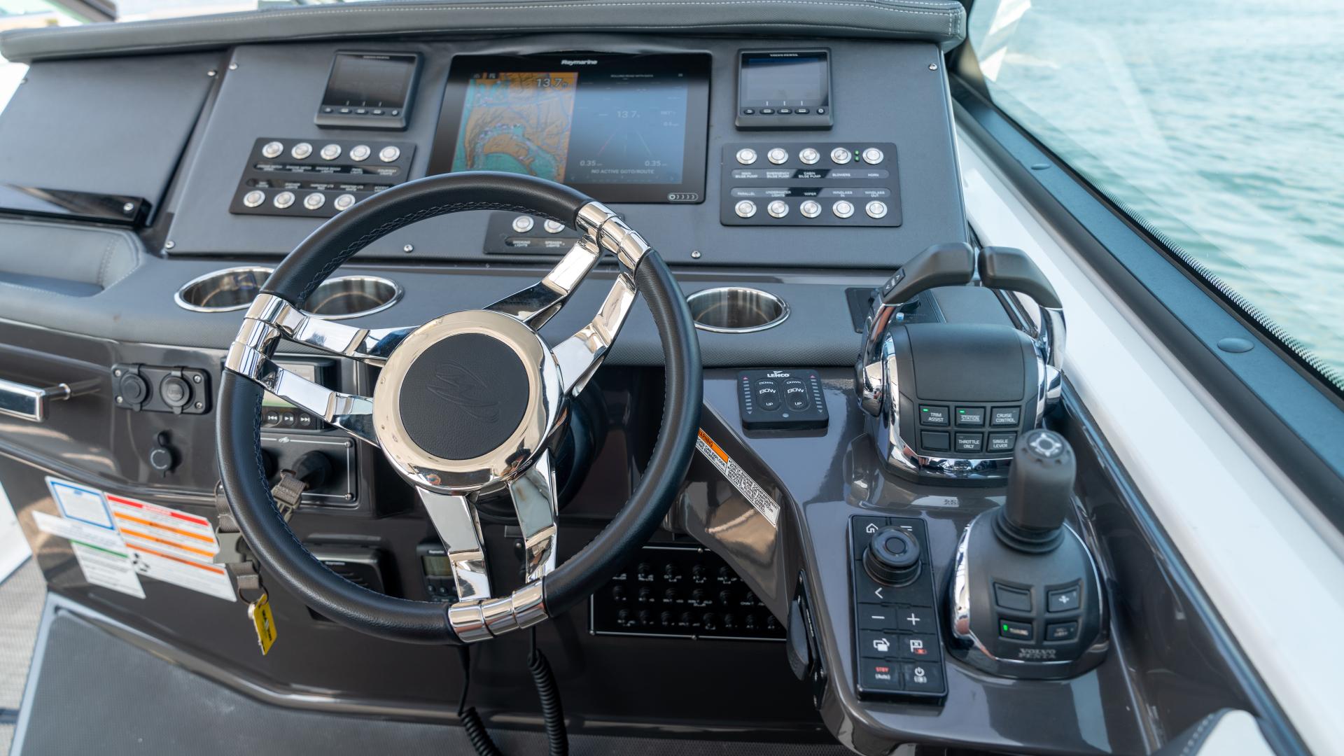 Monterey-378SE 2019-MATONE IV California-United States-HELM-1511134   Thumbnail