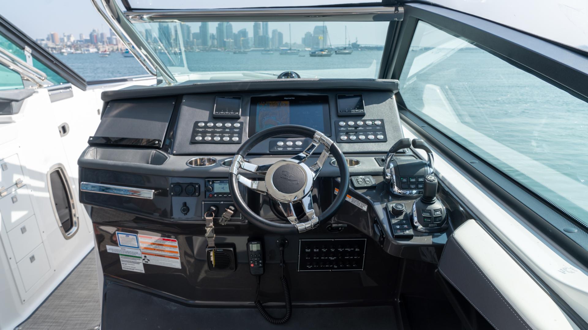 Monterey-378SE 2019-MATONE IV California-United States-HELM-1511133   Thumbnail