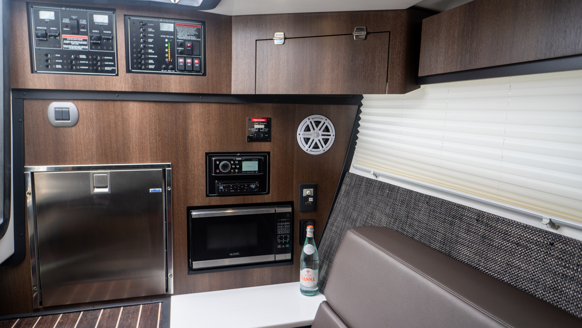 Monterey-378SE 2019-MATONE IV California-United States-GUEST STATEROOM-1511140   Thumbnail