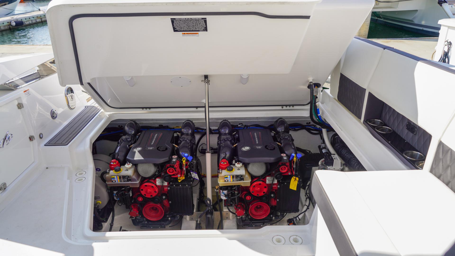 Monterey-378SE 2019-MATONE IV California-United States-ENGINE ROOM-1511143   Thumbnail
