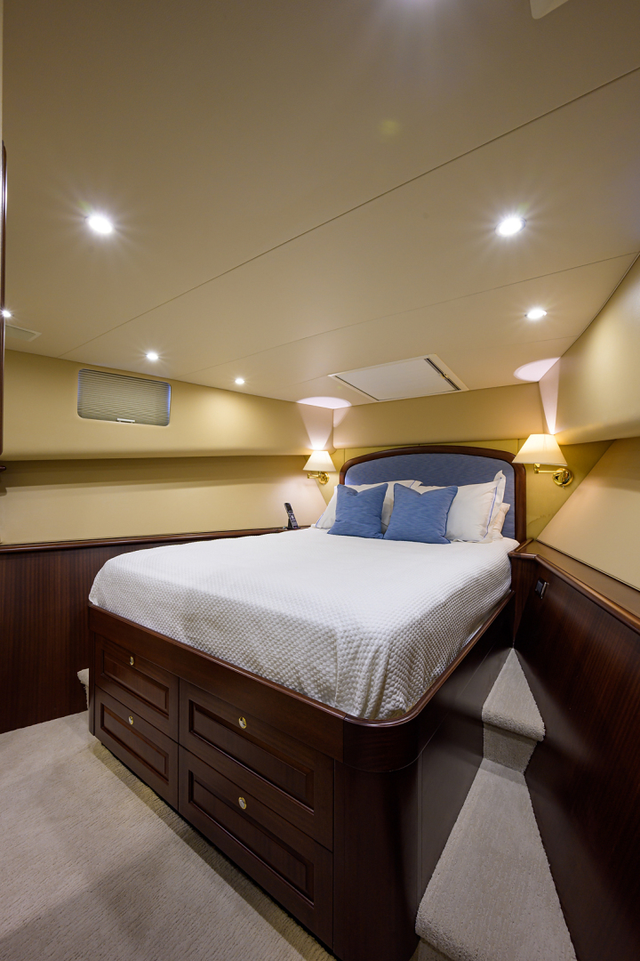 Pacific Mariner-Motor Yacht 2009-Celebrate North Palm Beach-Florida-United States-Forward Guest Stateroom-1512327 | Thumbnail