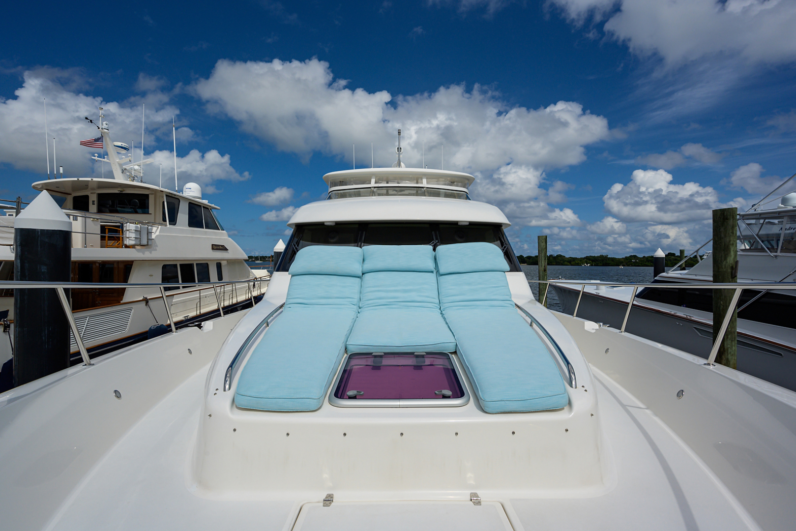 Pacific Mariner-Motor Yacht 2009-Celebrate North Palm Beach-Florida-United States-Bow-1515936 | Thumbnail