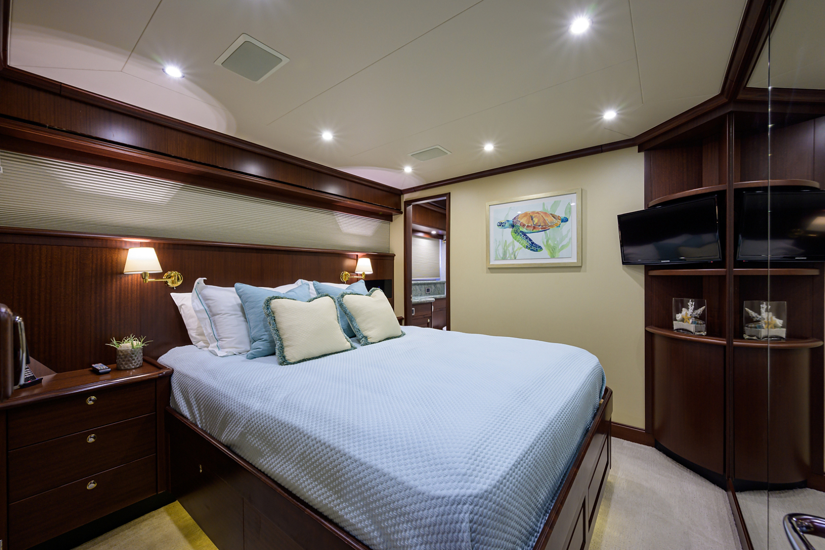 Pacific Mariner-Motor Yacht 2009-Celebrate North Palm Beach-Florida-United States-Starboard Guest Stateroom-1512345 | Thumbnail