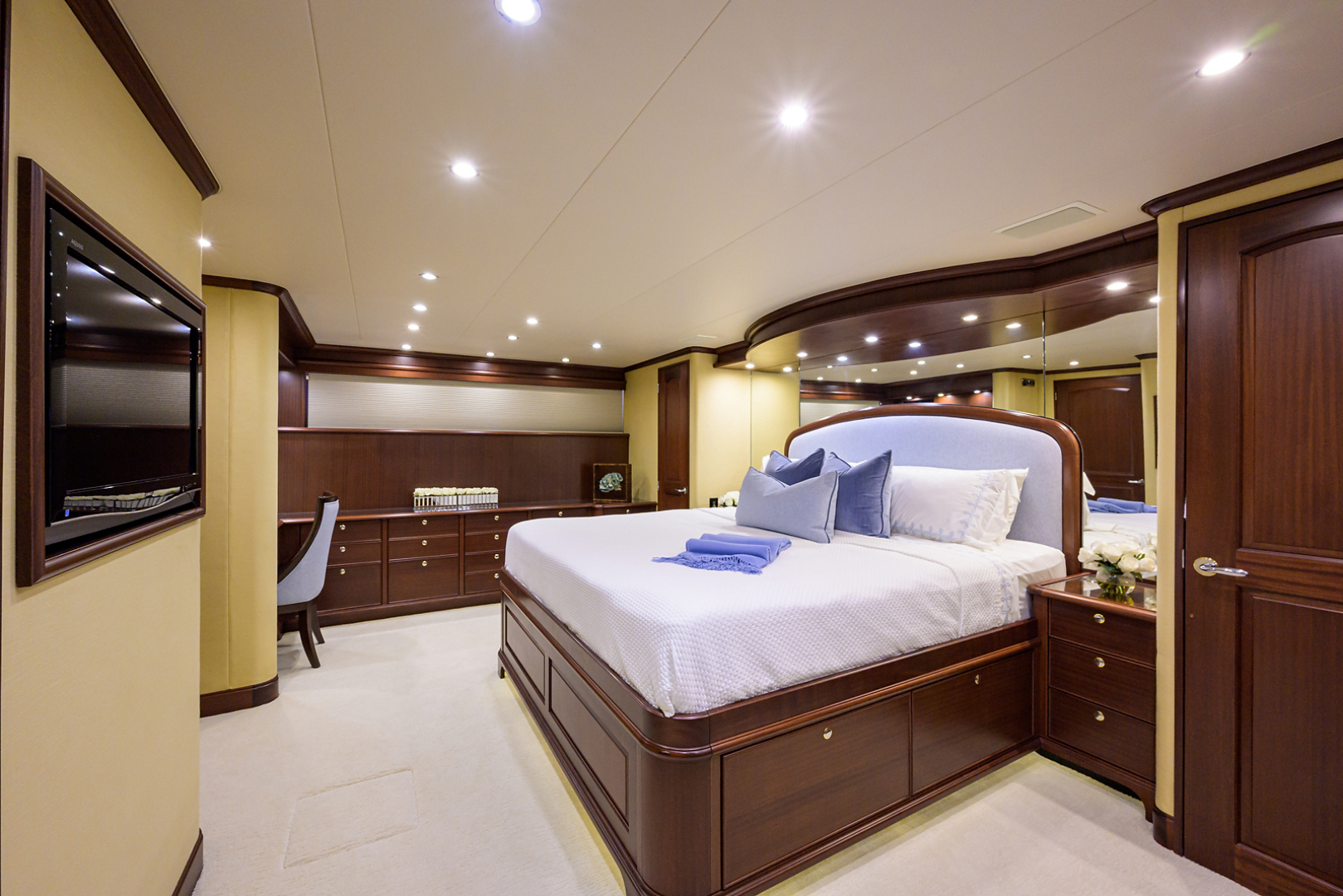 Pacific Mariner-Motor Yacht 2009-Celebrate North Palm Beach-Florida-United States-Master Stateroom-1512316 | Thumbnail