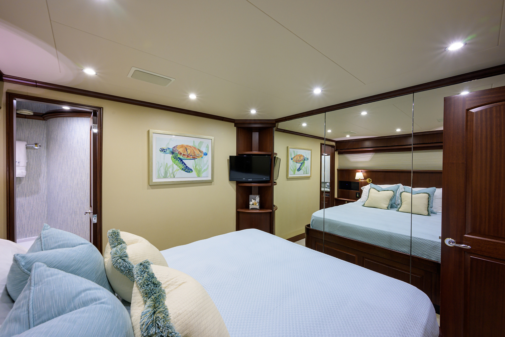 Pacific Mariner-Motor Yacht 2009-Celebrate North Palm Beach-Florida-United States-Starboard Guest Stateroom-1512346 | Thumbnail