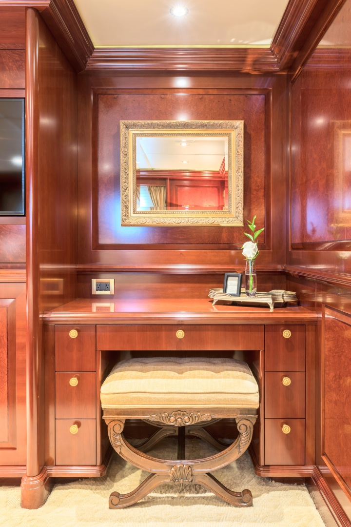 Trinity Yachts-164 Tri-deck Motor Yacht 2008-Amarula Sun Fort Lauderdale-Florida-United States-Port Aft Guest Suite Dressing Table-1513933 | Thumbnail