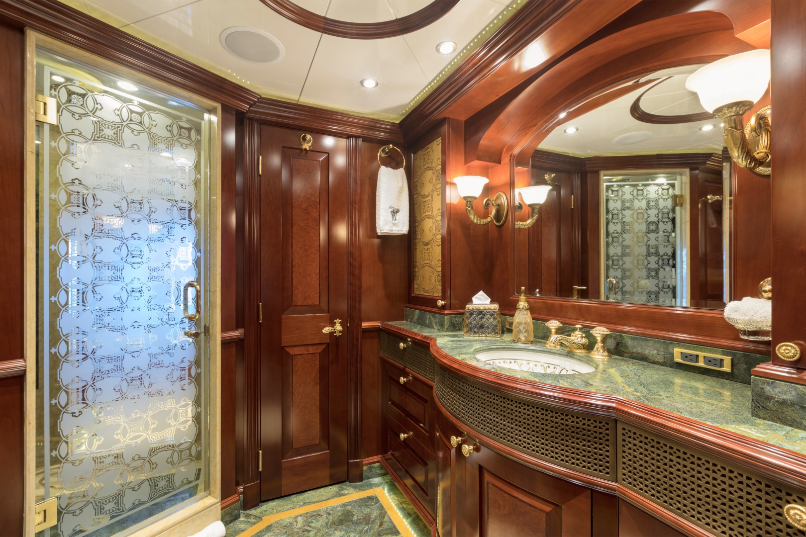 Trinity Yachts-164 Tri-deck Motor Yacht 2008-Amarula Sun Fort Lauderdale-Florida-United States-Master Suite His-1513926 | Thumbnail
