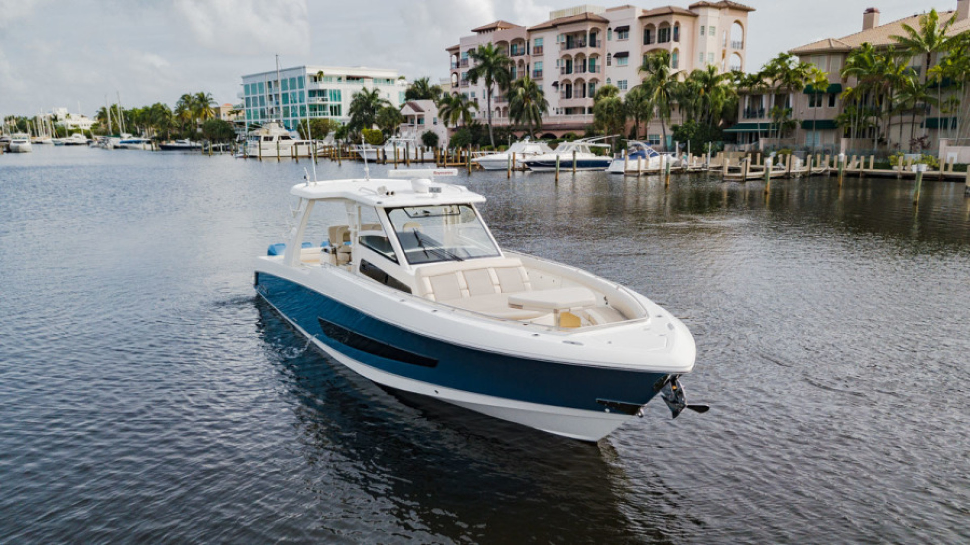 Boston Whaler-420 Outrage 2017-Boss Hawg Fort Lauderdale-Florida-United States-Boss Hawg-1513266 | Thumbnail