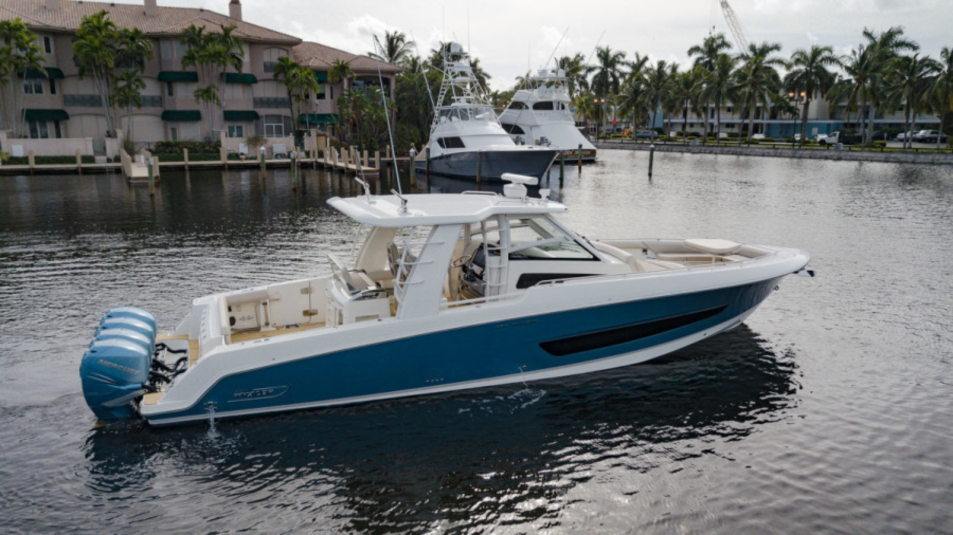 Boston Whaler-420 Outrage 2017-Boss Hawg Fort Lauderdale-Florida-United States-Boss Hawg-1513263 | Thumbnail