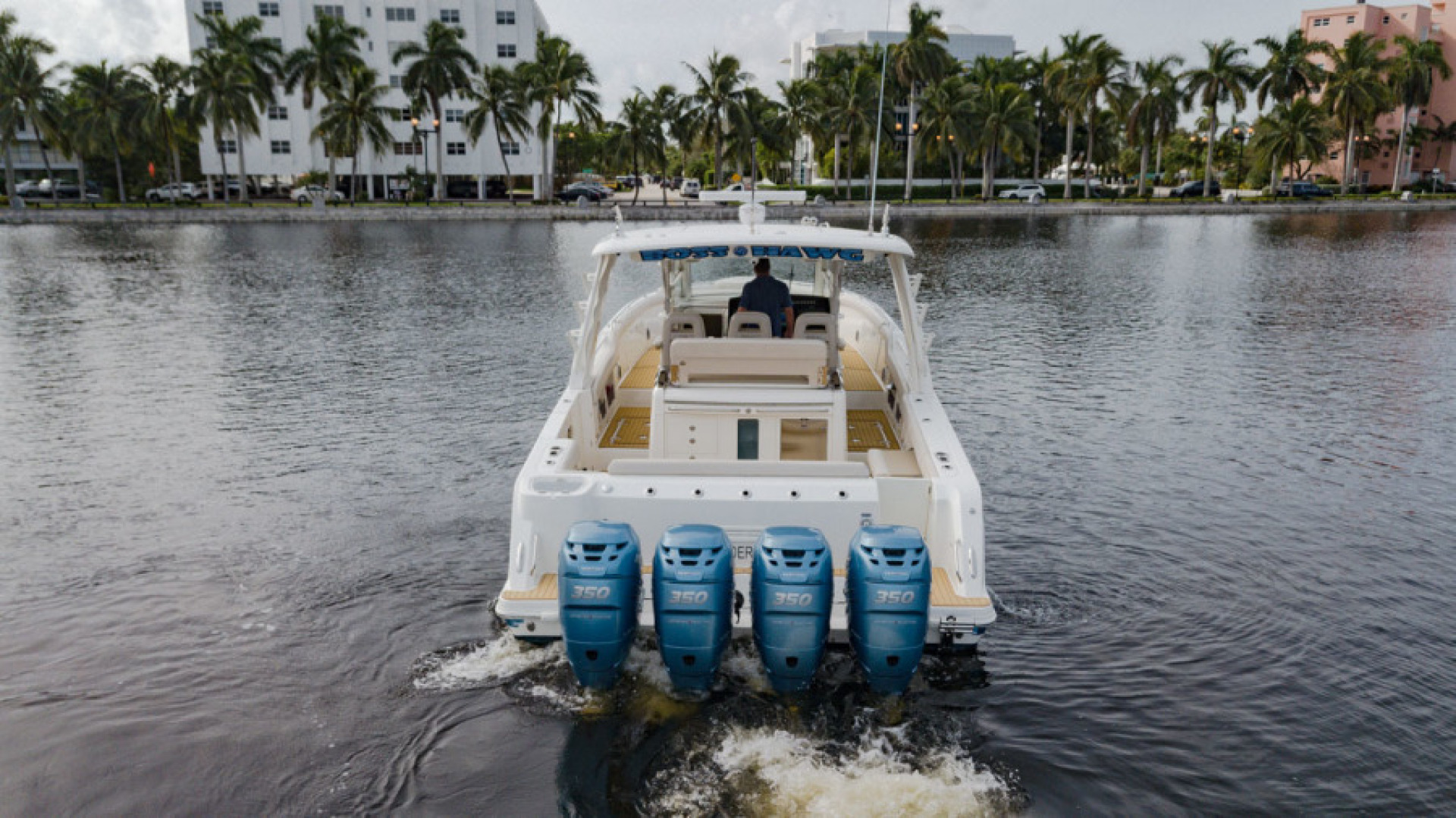 Boston Whaler-420 Outrage 2017-Boss Hawg Fort Lauderdale-Florida-United States-Boss Hawg-1513261 | Thumbnail