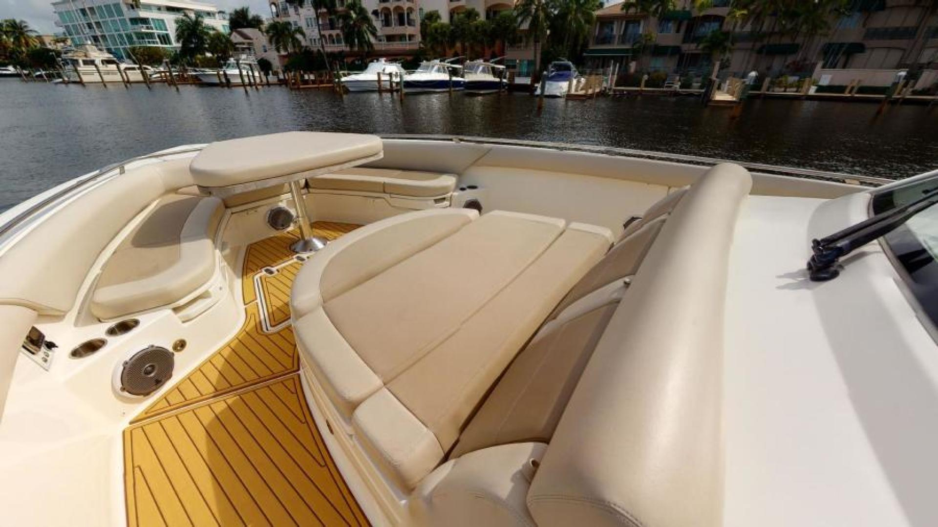 Boston Whaler-420 Outrage 2017-Boss Hawg Fort Lauderdale-Florida-United States-Bow-1513240 | Thumbnail