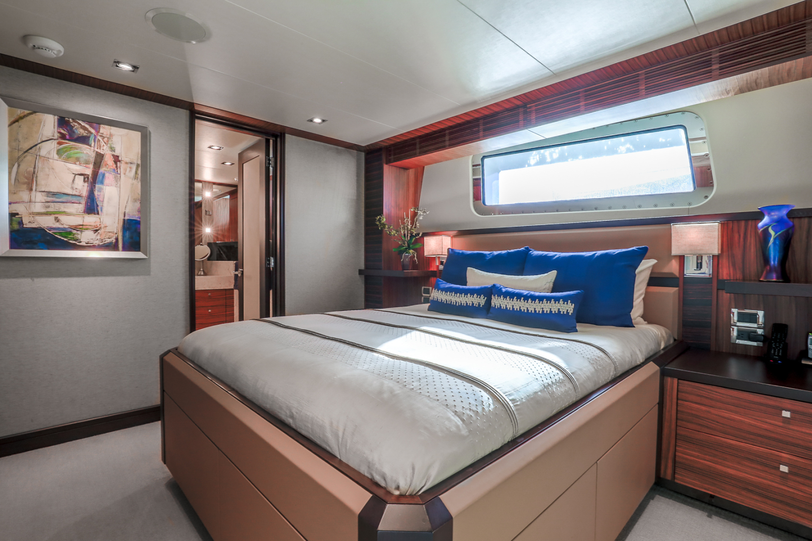 Northcoast-NC125 2011-FUGITIVE *Name Reserved* West Palm Beach-Florida-United States-Starboard VIP Stateroom-1513469 | Thumbnail