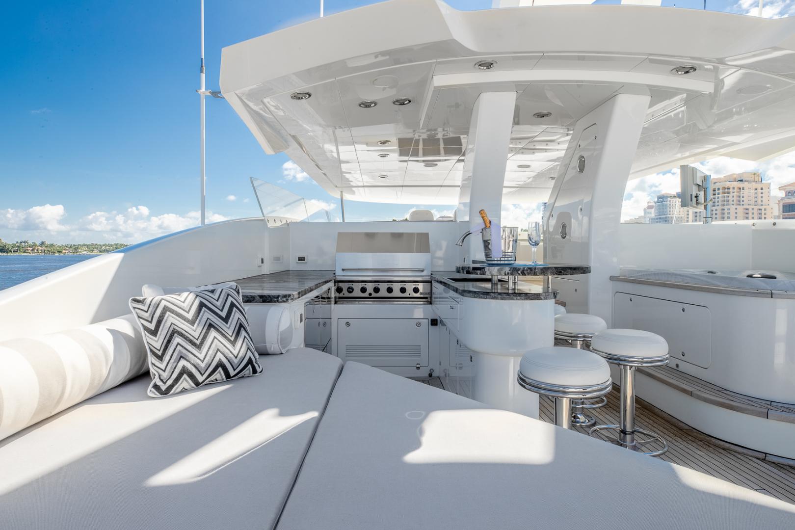 Northcoast-NC125 2011-FUGITIVE *Name Reserved* West Palm Beach-Florida-United States-Flybridge Port Sunpad-1513485 | Thumbnail