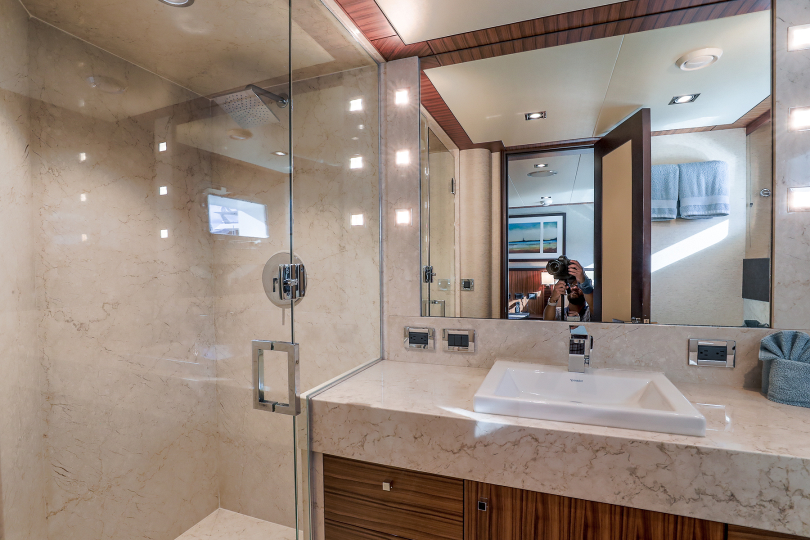 Northcoast-NC125 2011-FUGITIVE *Name Reserved* West Palm Beach-Florida-United States-Starboard Guest Bath-1513477 | Thumbnail