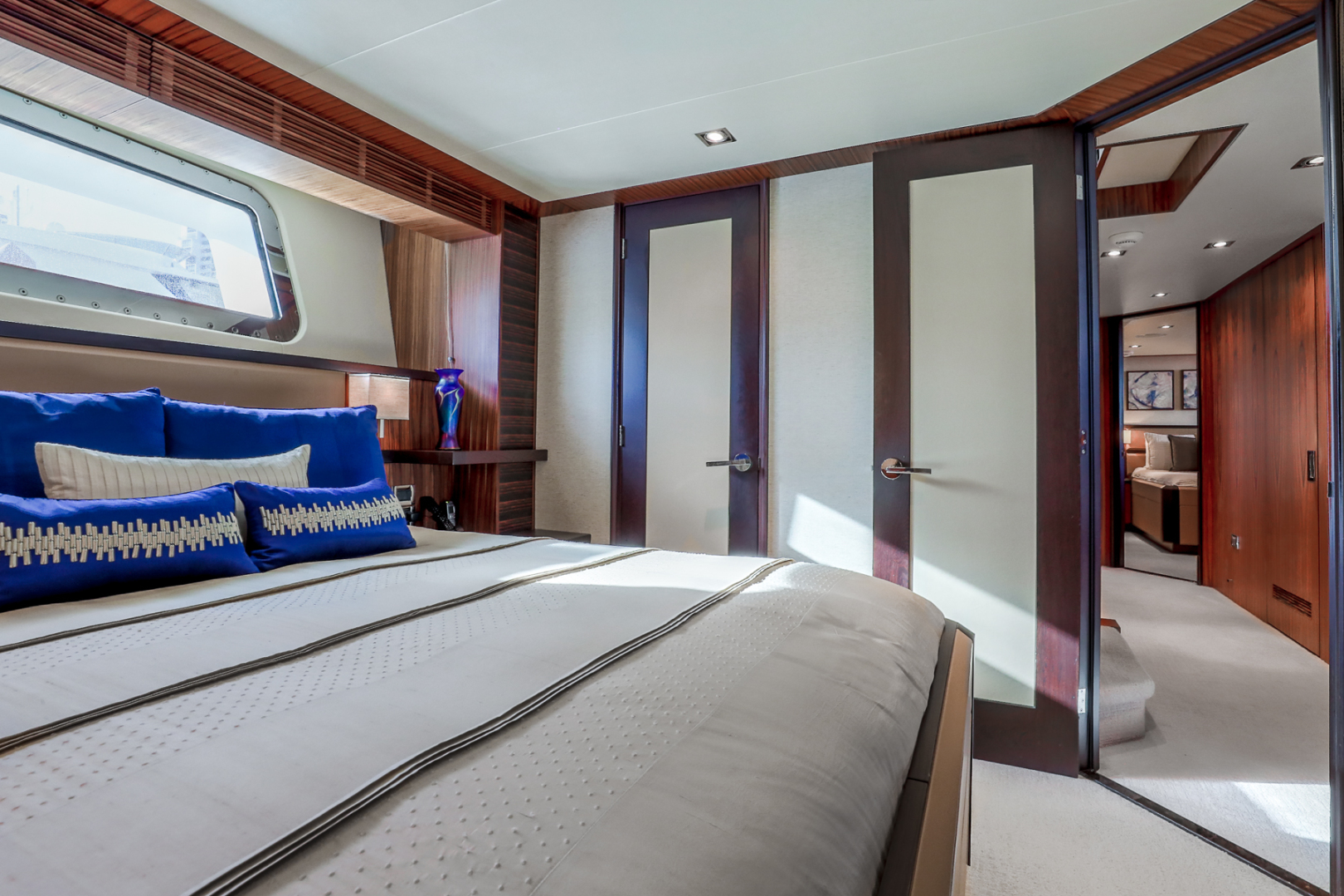 Northcoast-NC125 2011-FUGITIVE *Name Reserved* West Palm Beach-Florida-United States-Starboard VIP Guest Stateroom-1513472 | Thumbnail