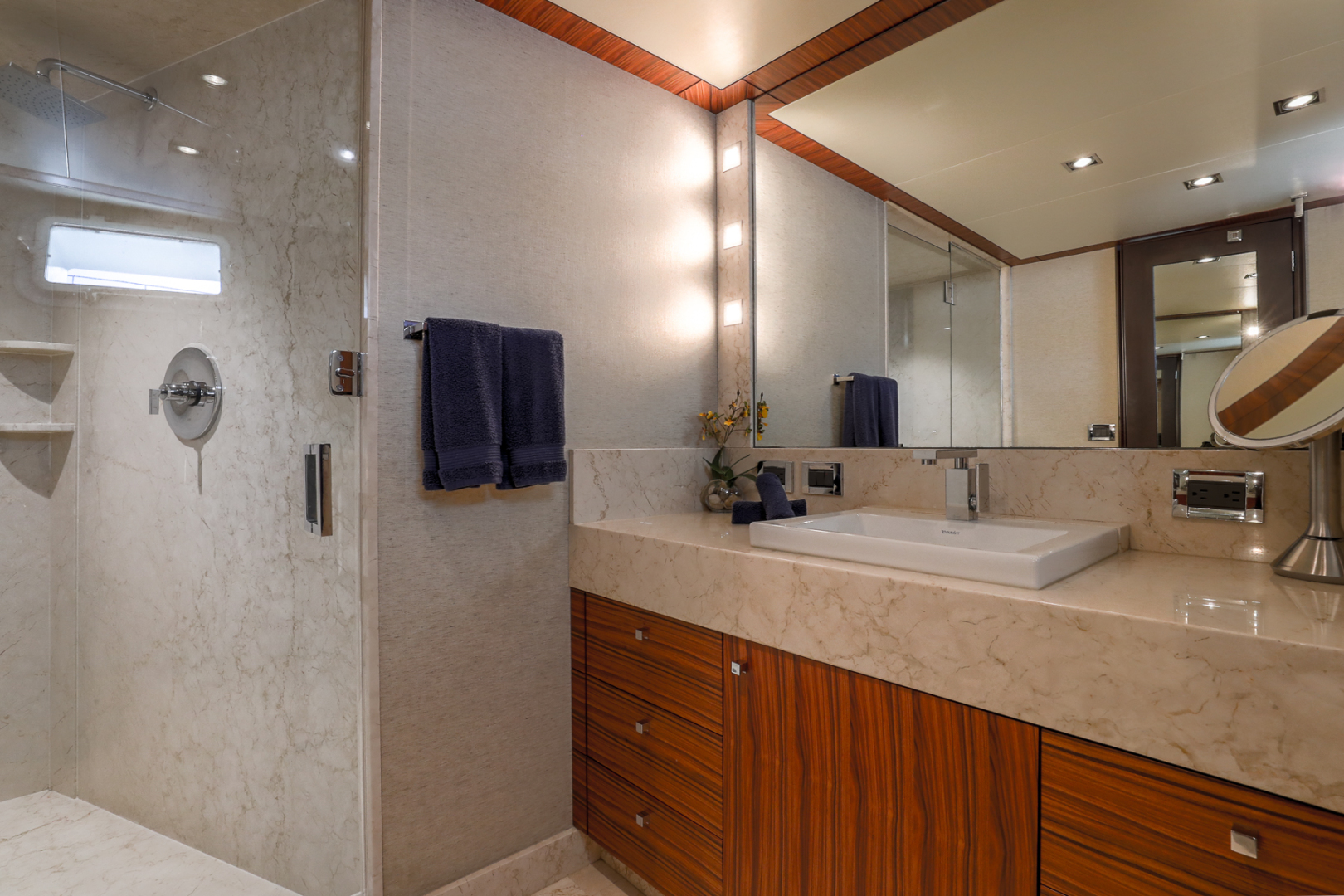Northcoast-NC125 2011-FUGITIVE *Name Reserved* West Palm Beach-Florida-United States-Starboard VIP Guest Bath-1513473 | Thumbnail
