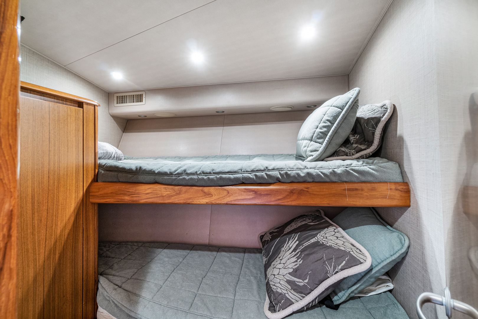 Viking-Convertible 2008-Saving Grace Stuart-Florida-United States-Guest Stateroom Forward Starboard-1546253   Thumbnail