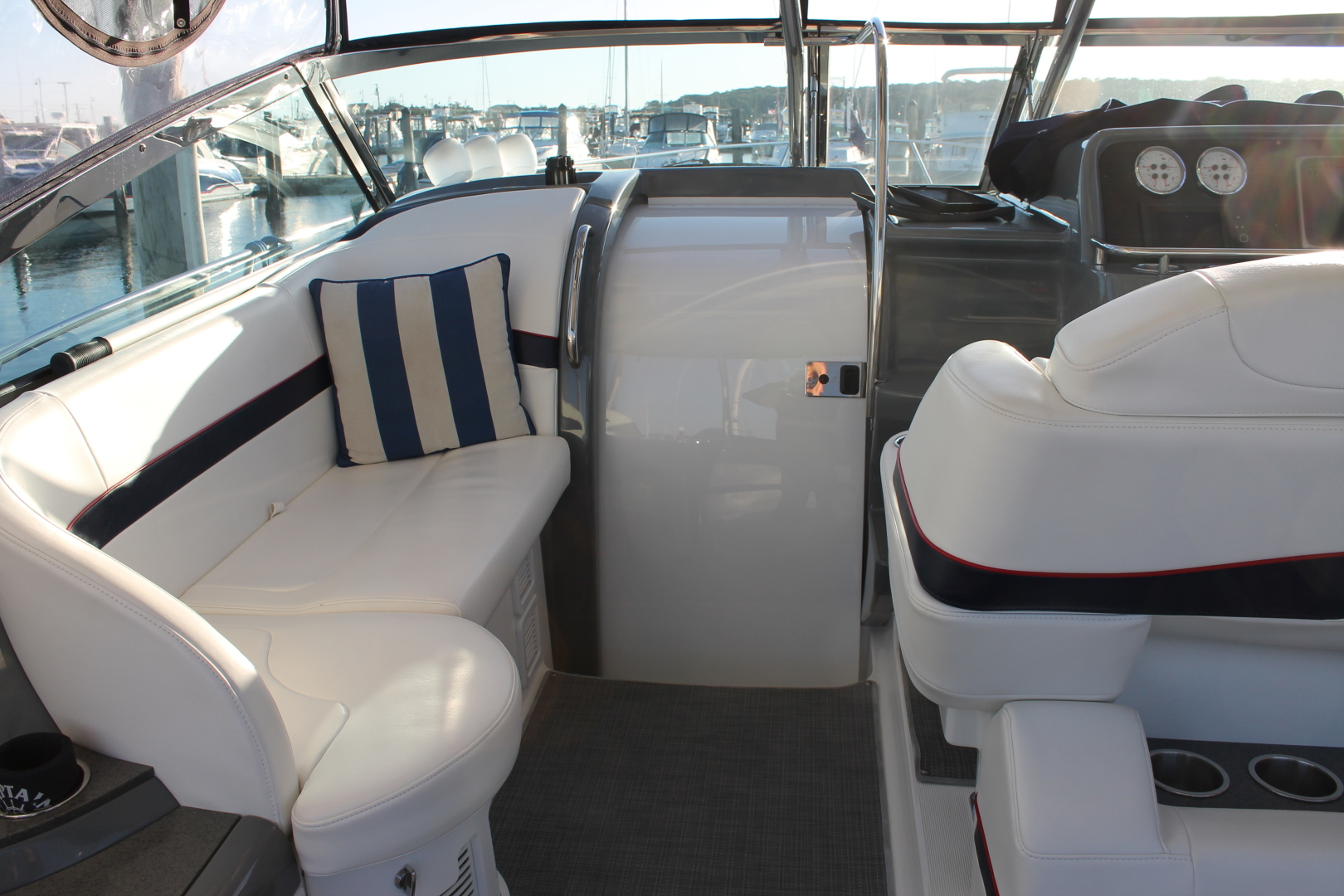 Formula-40 PC 2016 -Port Jefferson-New York-United States-Cockpit Seating-1514739 | Thumbnail