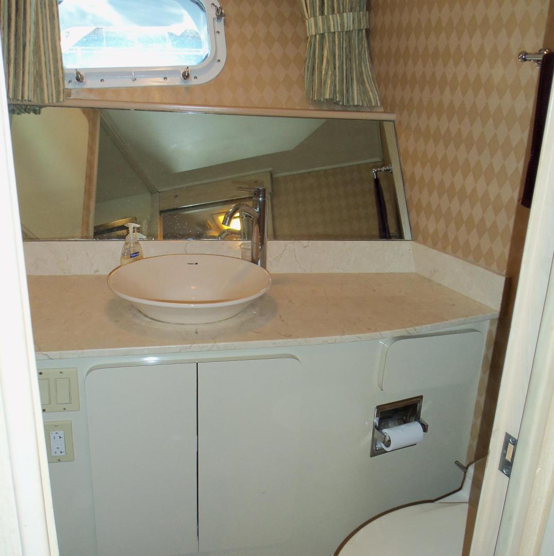 Broward-Custom Extended 1990-MON SHERI Fort Lauderdale-Florida-United States-Crew Head-1515040   Thumbnail