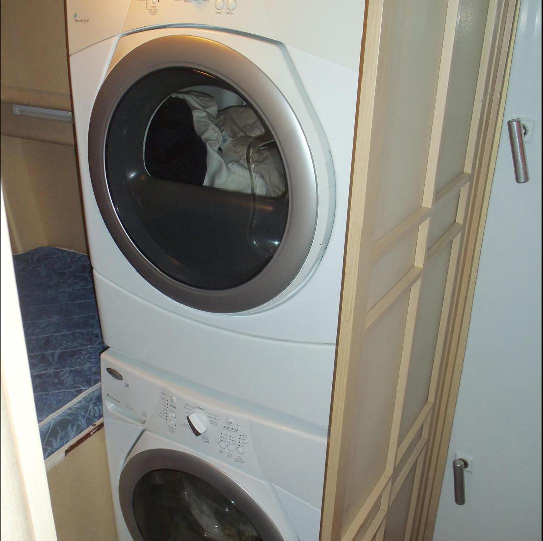 Broward-Custom Extended 1990-MON SHERI Fort Lauderdale-Florida-United States-Crew laundry-1515042   Thumbnail