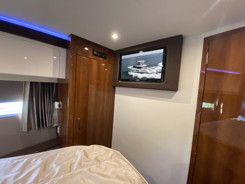 Carver-C40 2016-Ms. Behavin Longboat Key-Florida-United States-2016 40 Carver C Motor Yacht  Ms. Behavin  Master Stateroom TV-1515617   Thumbnail