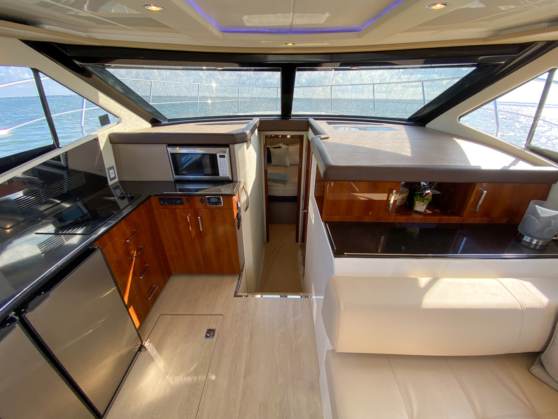 Carver-C40 2016-Ms. Behavin Longboat Key-Florida-United States-2016 40 Carver C Motor Yacht  Ms. Behavin  Salon-1515607   Thumbnail