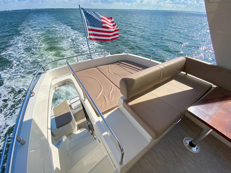 Carver-C40 2016-Ms. Behavin Longboat Key-Florida-United States-2016 40 Carver C Motor Yacht  Ms. Behavin  Flybridge-1515630   Thumbnail