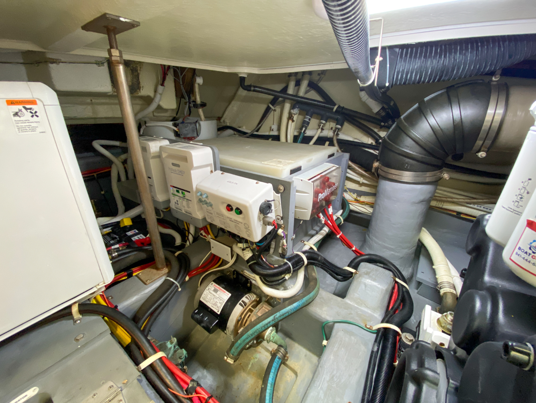 Carver-C40 2016-Ms. Behavin Longboat Key-Florida-United States-2016 40 Carver C Motor Yacht  Ms. Behavin  Engine Room-1515622   Thumbnail