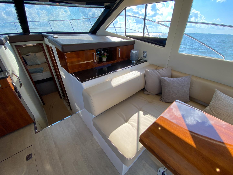 Carver-C40 2016-Ms. Behavin Longboat Key-Florida-United States-2016 40 Carver C Motor Yacht  Ms. Behavin  Salon-1515610   Thumbnail