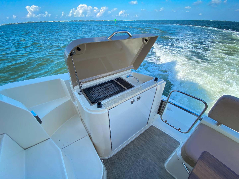 Carver-C40 2016-Ms. Behavin Longboat Key-Florida-United States-2016 40 Carver C Motor Yacht  Ms. Behavin  Cockpit -1515604   Thumbnail