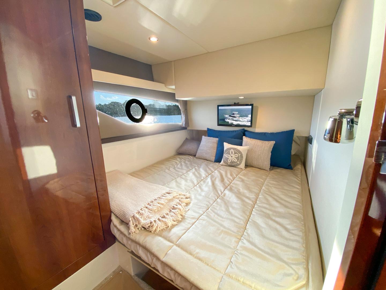 Carver-C40 2016-Ms. Behavin Longboat Key-Florida-United States-2016 40 Carver C Motor Yacht  Ms. Behavin  Guest Stateroom-1515619   Thumbnail