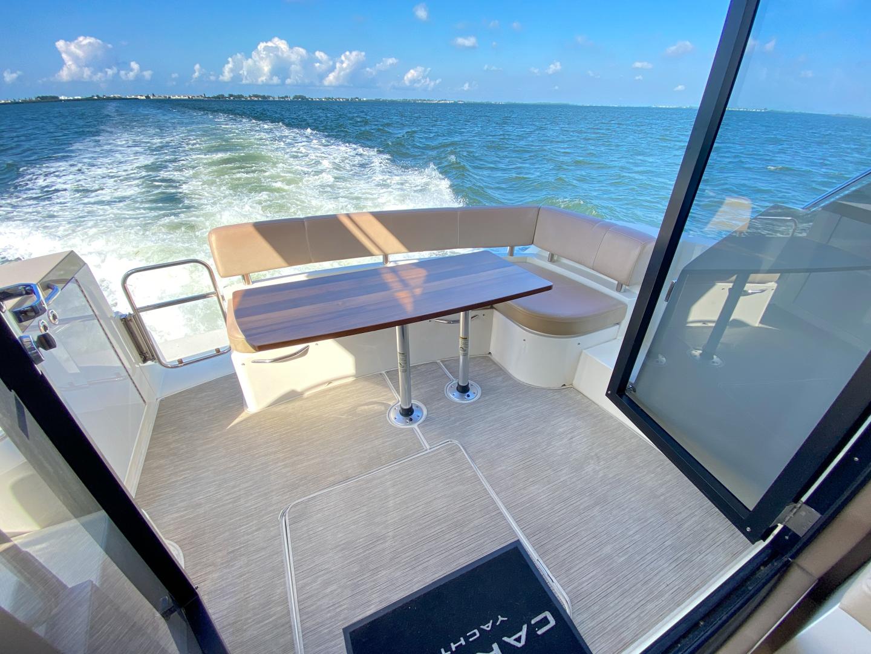 Carver-C40 2016-Ms. Behavin Longboat Key-Florida-United States-2016 40 Carver C Motor Yacht  Ms. Behavin  Cockpit-1515602   Thumbnail
