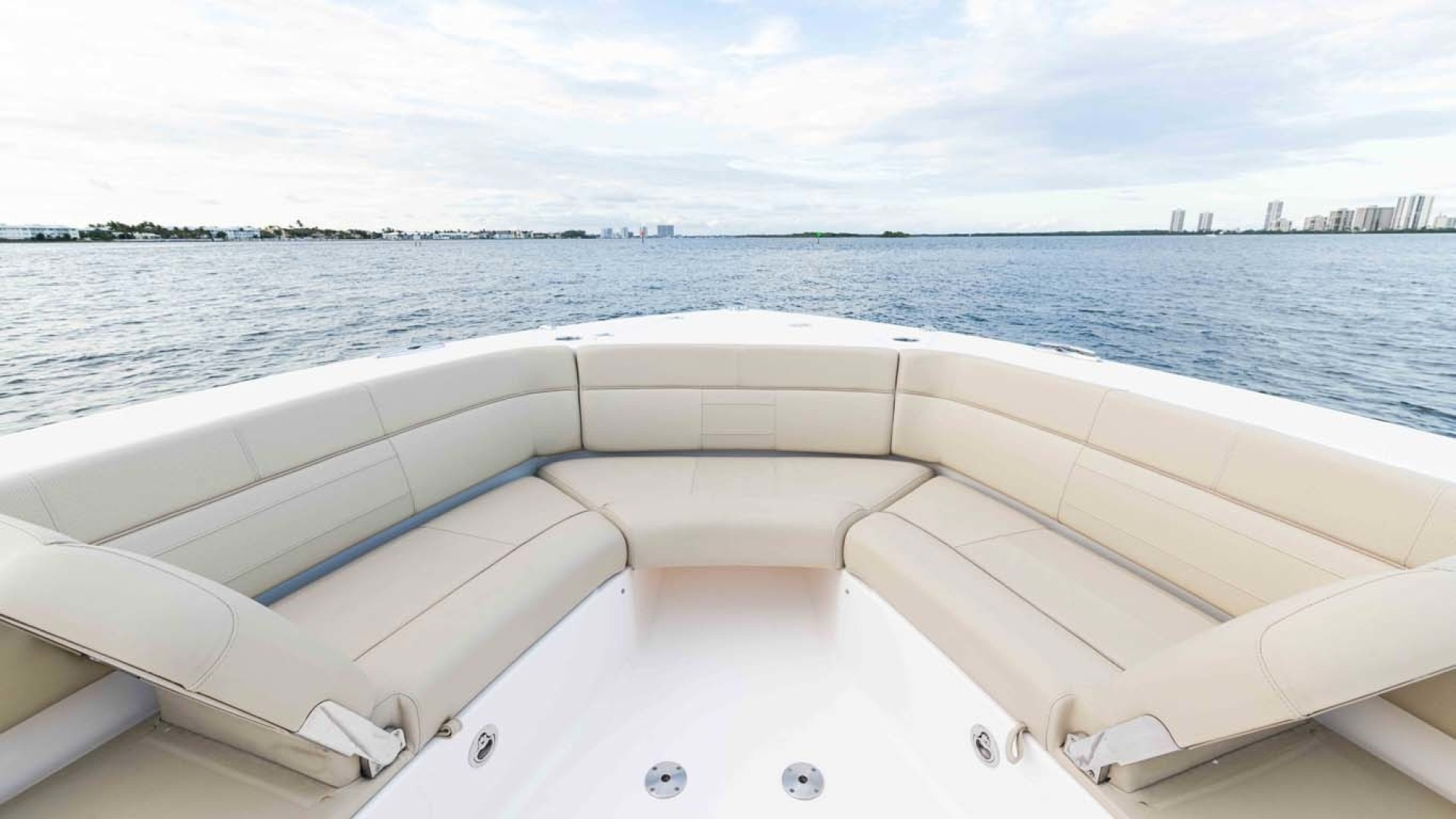 Pursuit-408 2017-Grateful North Palm Beach-Florida-United States-1515652   Thumbnail