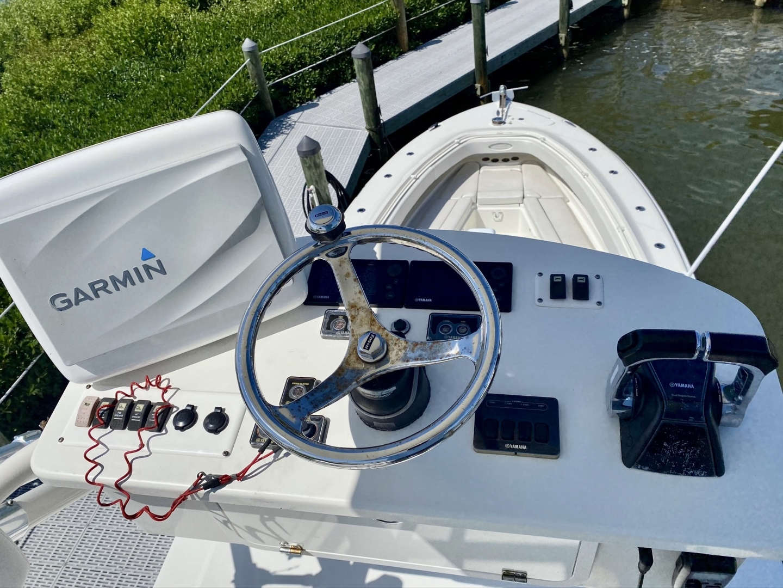 Hydra-Sports-4200 SF 2012-Dakota Crude Islamorada-Florida-United States-1517068 | Thumbnail