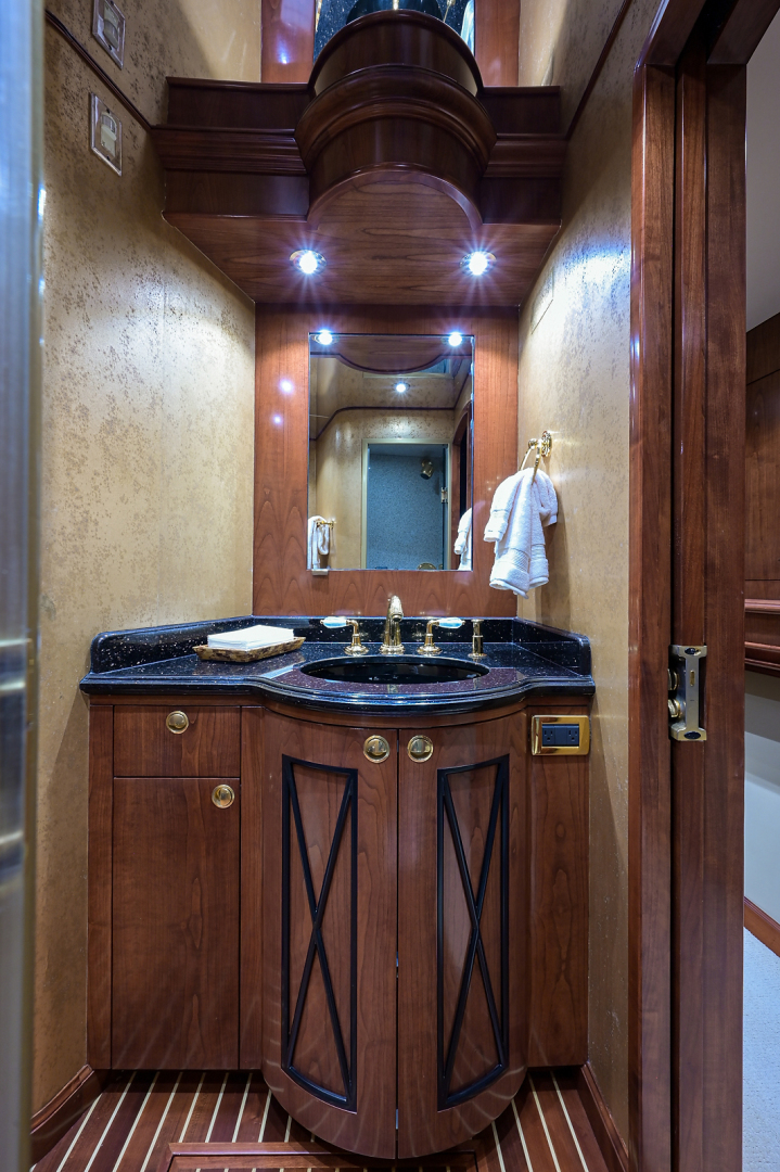 Sea Force IX-Enclosed Bridge Convertible 2007-Black Shadow North Palm Beach-Florida-United States-Guest Stateroom Head-1517375 | Thumbnail