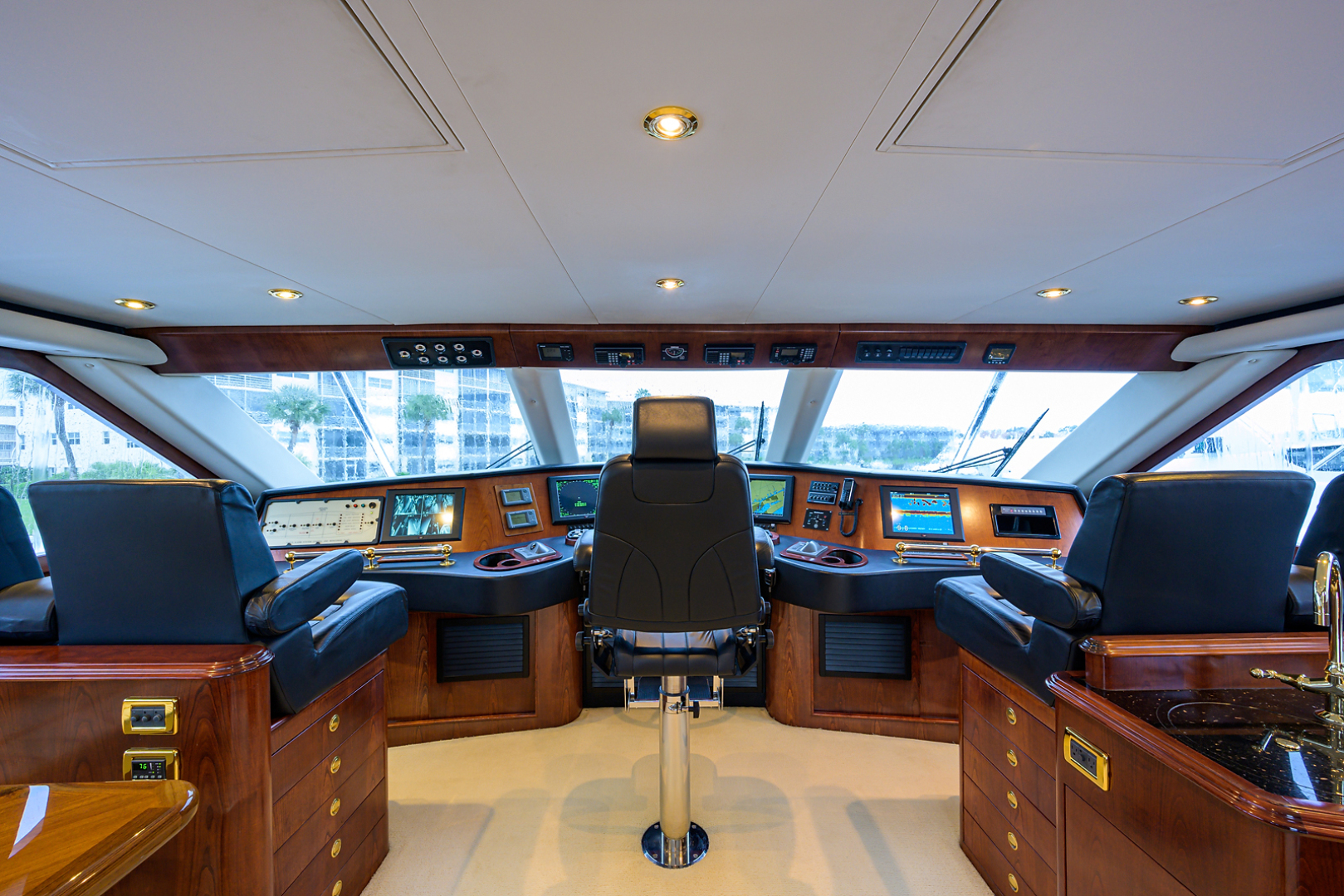 Sea Force IX-Enclosed Bridge Convertible 2007-Black Shadow North Palm Beach-Florida-United States-Enclosed Flybridge-1517390 | Thumbnail