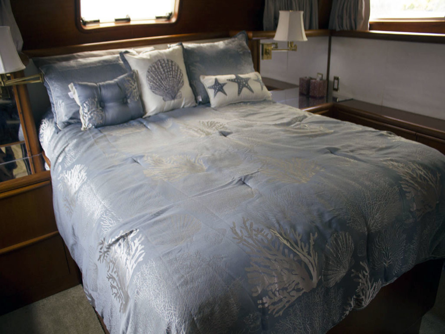 Viking-44 Double Cabin 1990-Never Mind Cape Coral-Florida-United States-Full Queen Master Bed-1518220   Thumbnail