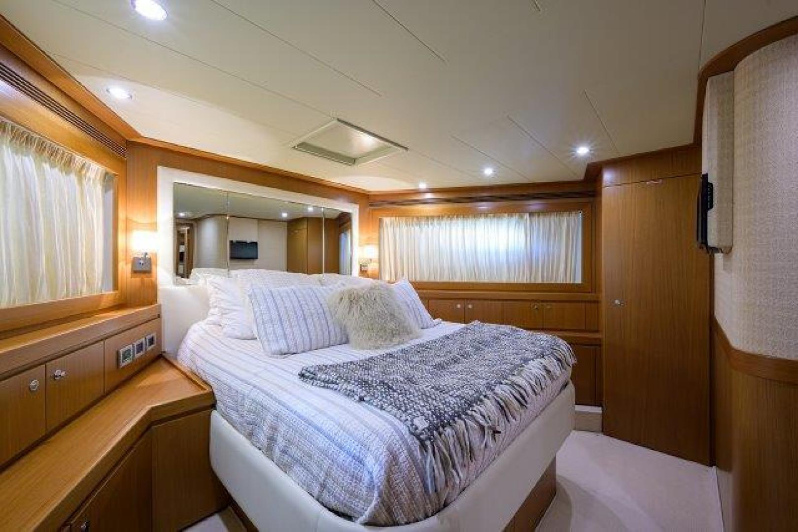 Ferretti Yachts-Altura 840 2010-MISS ALLIED Jupiter-Florida-United States-Forward Stateroom-1518324 | Thumbnail