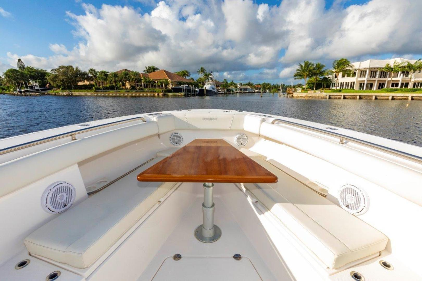 Everglades-435 Center Console 2019-Bahama Papa Palm Beach Gardens-Florida-United States-Forward Seating with Table-1570503 | Thumbnail