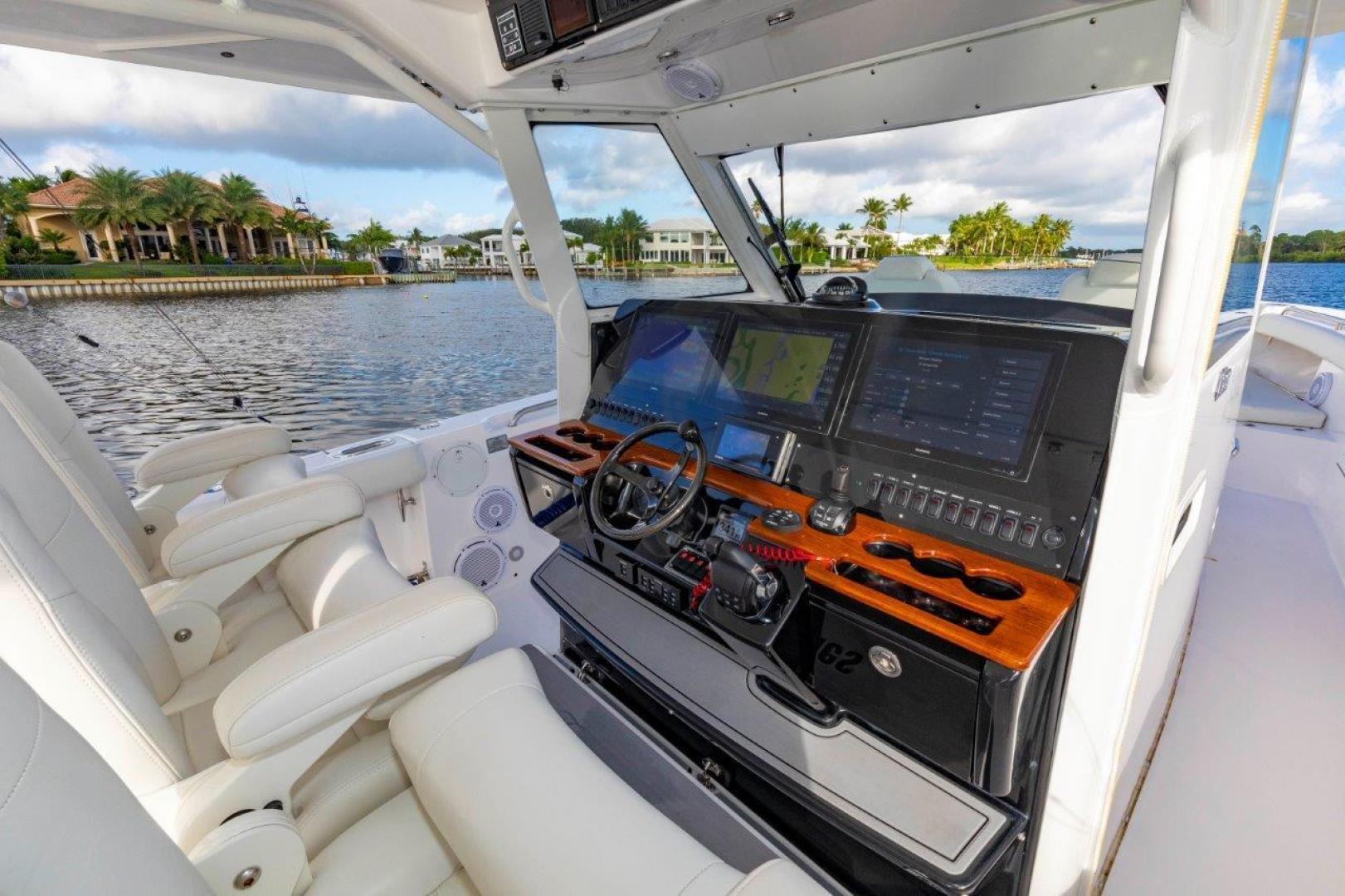 Everglades-435 Center Console 2019-Bahama Papa Palm Beach Gardens-Florida-United States-Console-1570493 | Thumbnail