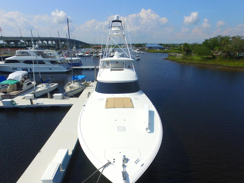 Viking-82 Convertible 2010-Nikki Bella Jacksonville-Florida-United States-2010 82 Viking   Bow (2)-1521040 | Thumbnail
