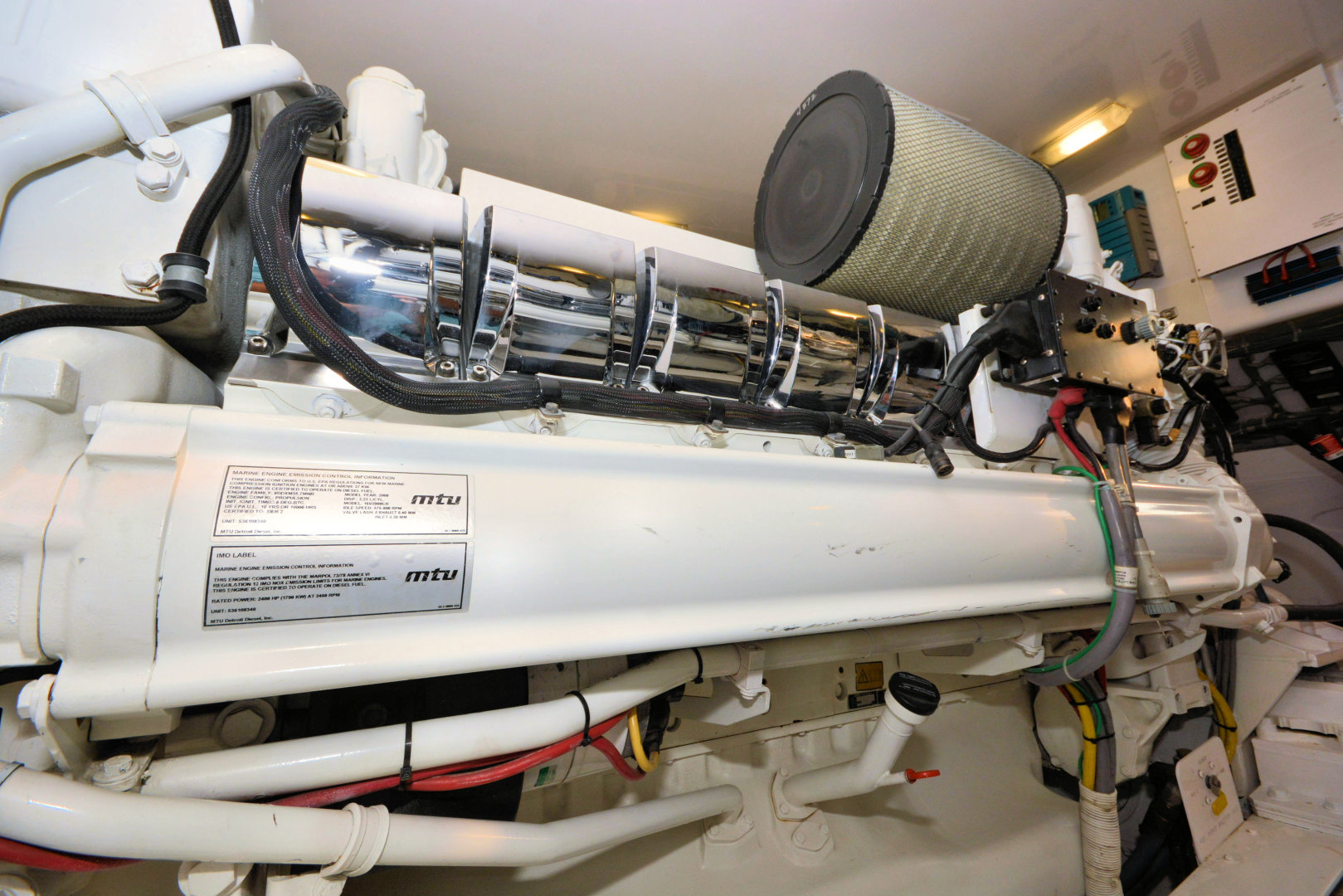 Viking-82 Convertible 2010-Nikki Bella Jacksonville-Florida-United States-2010 82 Viking   Engine Room (18)-1521117 | Thumbnail