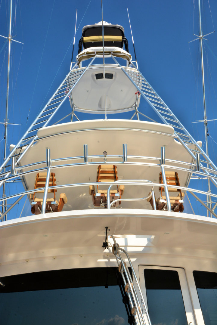 Viking-82 Convertible 2010-Nikki Bella Jacksonville-Florida-United States-2010 82 Viking   Tuna Tower (2)-1521085 | Thumbnail