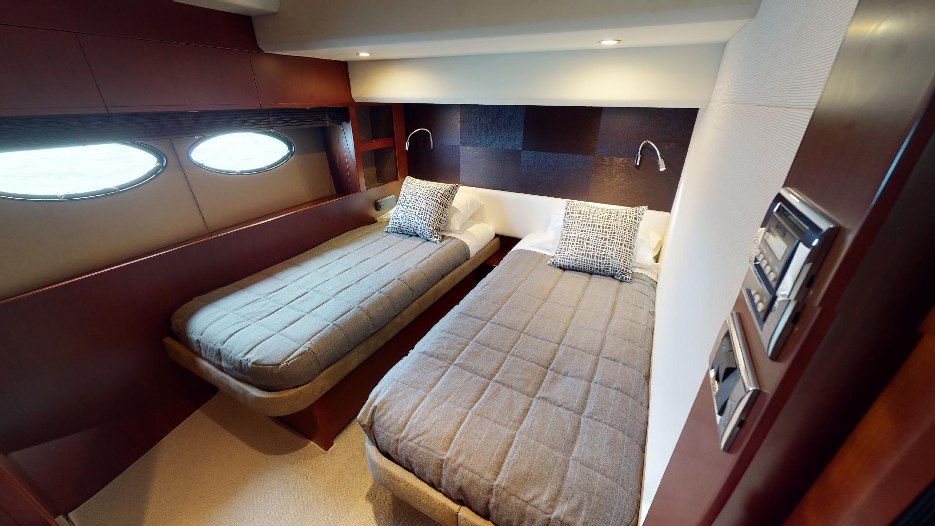 Princess-Flybridge 2014-GAVIOTA Coral Gables-Florida-United States-STARBOARD GUEST STATEROOM-1519466   Thumbnail
