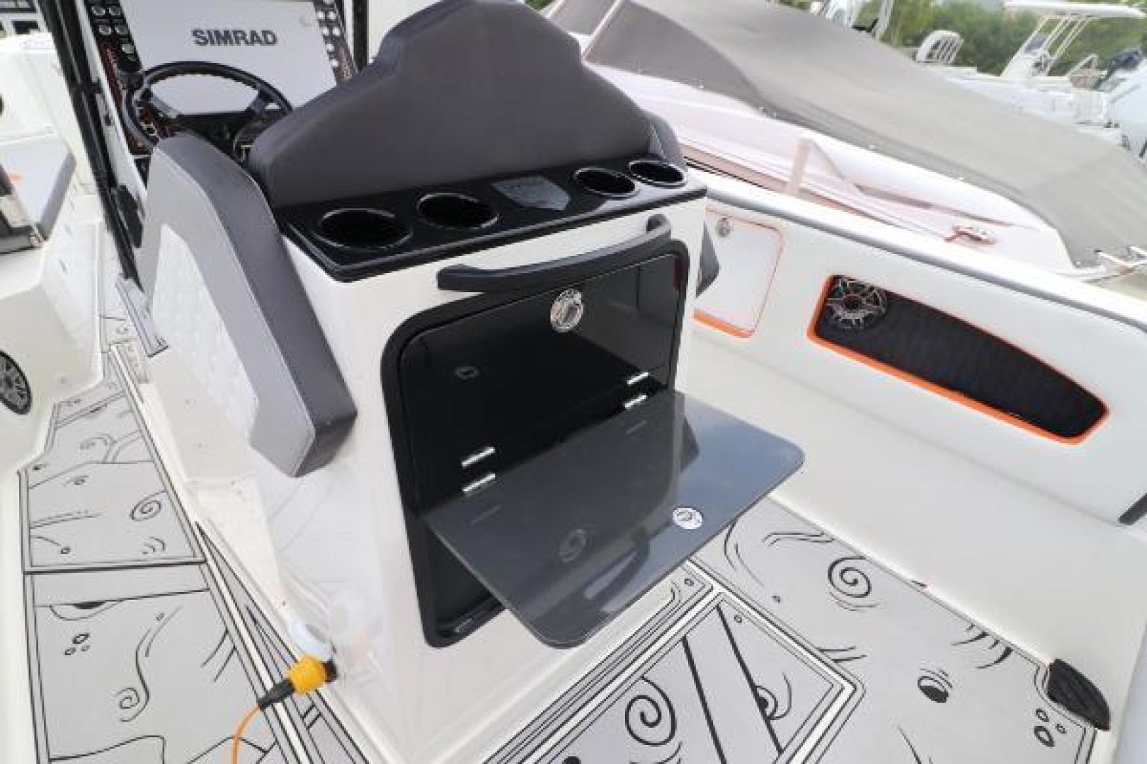 Vandalize-SUV 305 2019-Vandalize SUV 305 Fort Lauderdale-Florida-United States-1530551 | Thumbnail