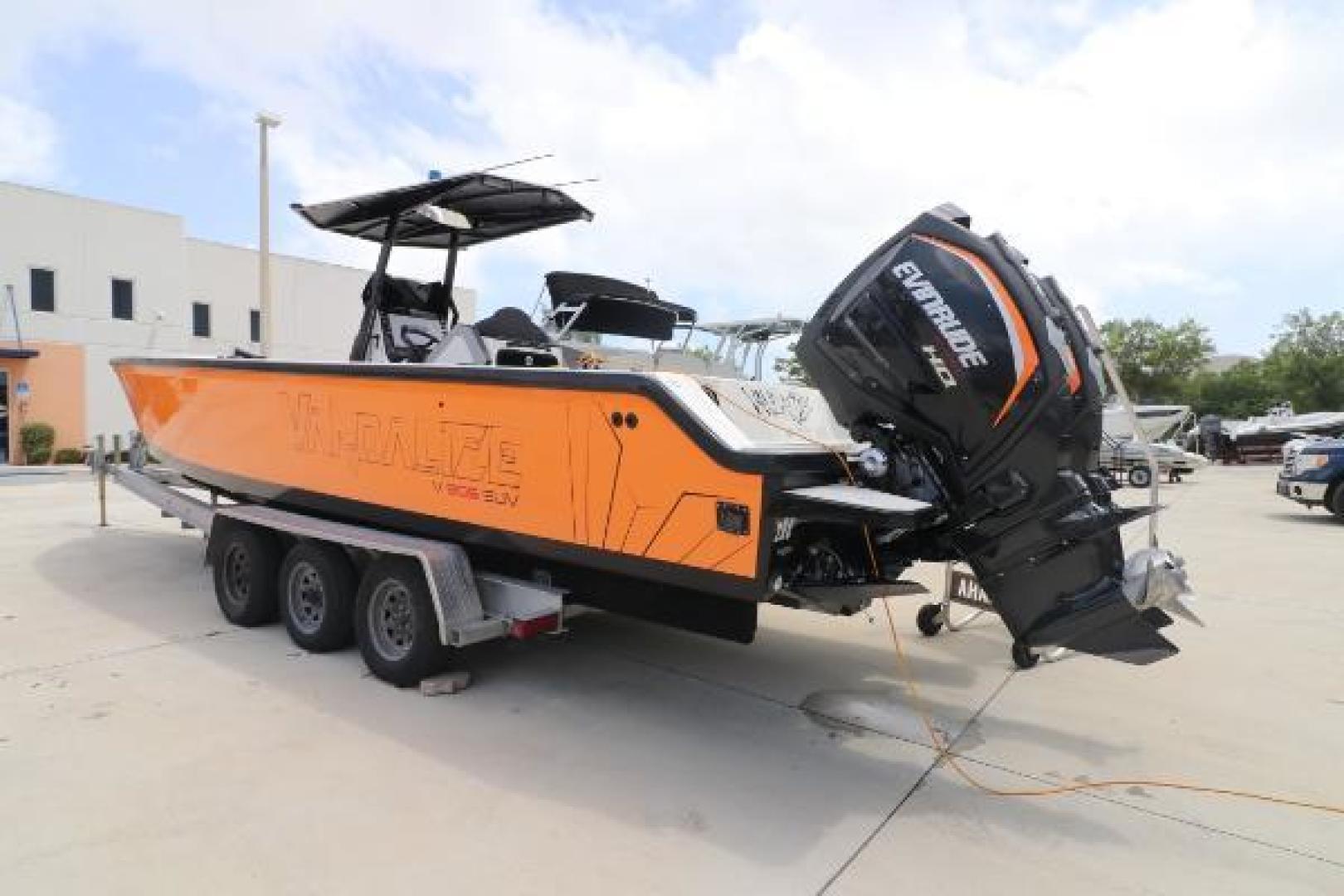 Vandalize-SUV 305 2019-Vandalize SUV 305 Fort Lauderdale-Florida-United States-1530547 | Thumbnail