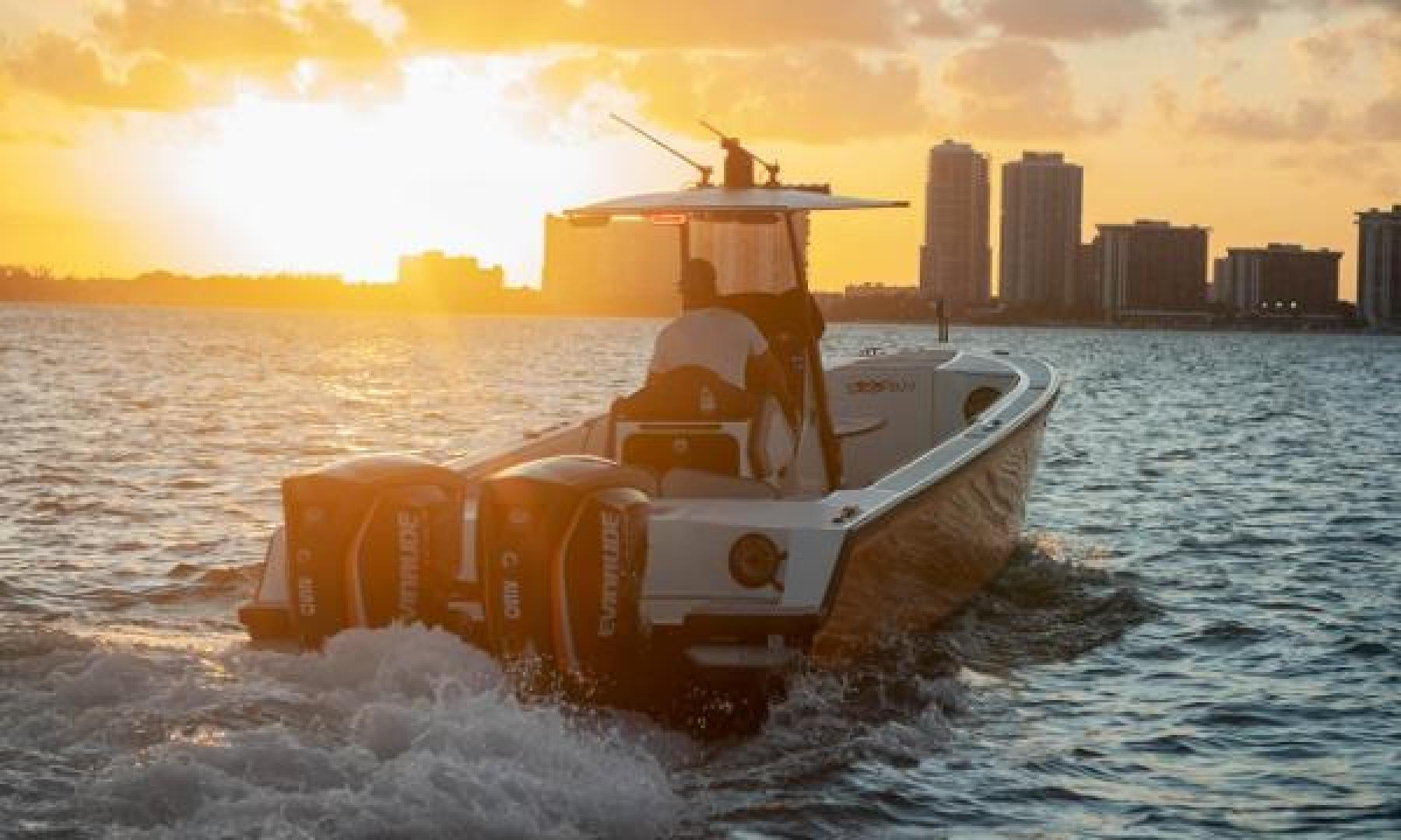 Vandalize-SUV 305 2019-Vandalize SUV 305 Fort Lauderdale-Florida-United States-1530545 | Thumbnail