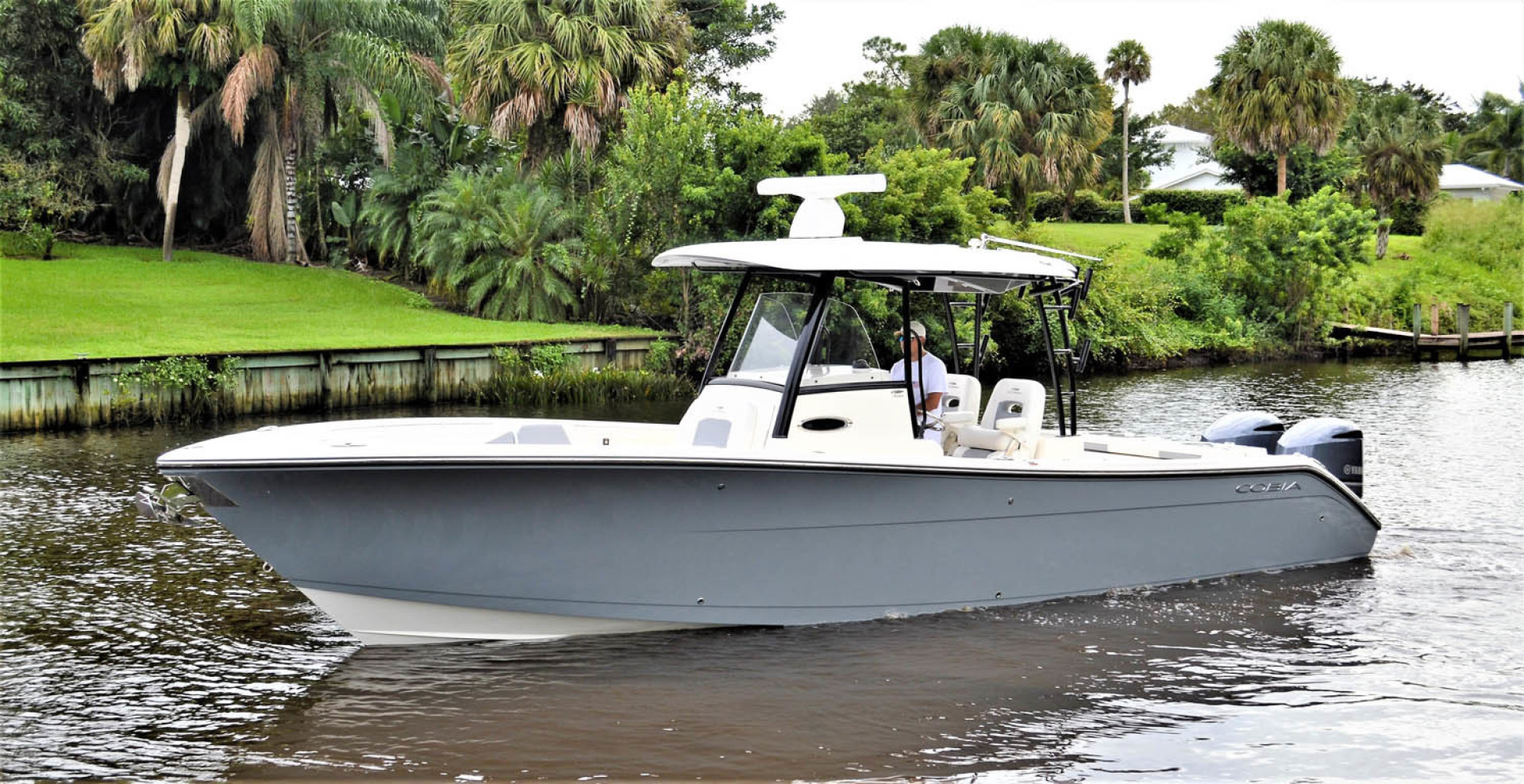Cobia-320 CC 2019-Pivoting Palm City-Florida-United States-Cobia 320 CC-1533893 | Thumbnail
